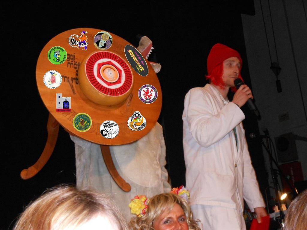 Miggeli bei der Verleihung des Möffechäs am Hilari